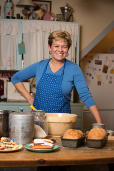 Photo of Lisa Kivirist